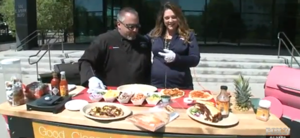 @ChefJasonMorse Talks tailgating with @Kathiejmornings. Flatbread pizza on the grill – yum! http://t.co/F4FMVB8Srq